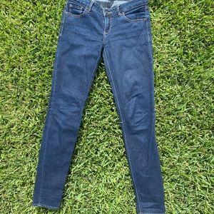 Abercrombie & Fitch Dark Wash Jeans. Size 2R, 26W